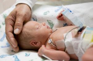 Kaiserschnitt immer häufiger trotz Risiken - Foto cdwheatley © iStock