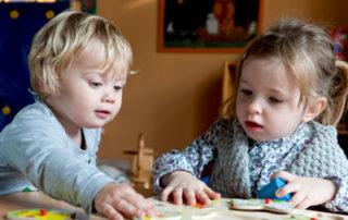 Auf Kosten der Kinder - Foto Claudia Paulussen © Fotolia