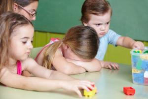 Auf Kosten der Kinder - Foto Robert_Kneschke © fotolia