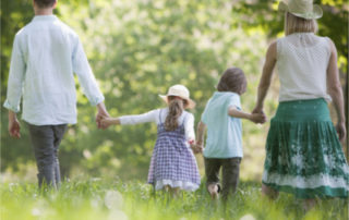 Was bedeutet Wohlergehen der Kinder - Foto © iStock © OJO_Images