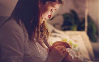 Stillen schützt vor Brustkrebs - Foto iStock © Tatyana Tomsickova