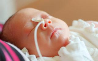 Mehr als alle anderen Kinder brauchen Frühgeborene - Foto Ramona Heim © Fotolia