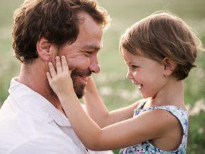 Väter und Töchter - Foto iStock © Halfpoint