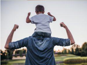 Vom Spielen der Väter mit ihren Kindern - Foto iStock © Vasyl Dolmatov