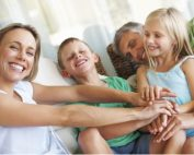 Familien leben - Foto iStock © Yuri